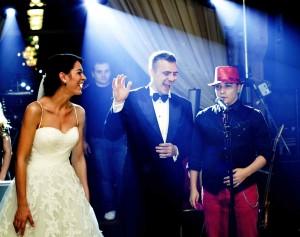 Imagine dintr-un spectacol de neomagie la nunta
